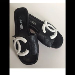 Chanel CC Logo Sandals Slides Lambskin Quilted
